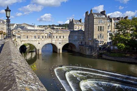 somerset: The famous Pulteney Bridge in Bath  Stock Photo