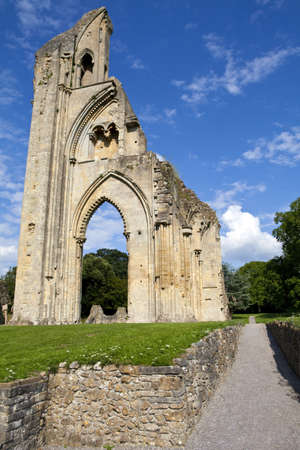 abbey ruins abbey: The historic ruins of Glastonbury Abbey in Somerset, England.