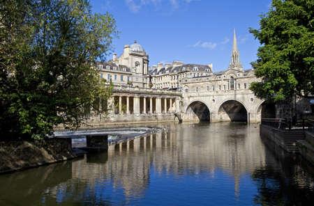 michele: Pulteney Bridge e il fiume Avon a Bath St Michael Archivio Fotografico