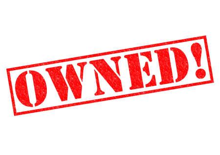 retained: PROPIEDAD! Sello de goma de color rojo sobre un fondo blanco.