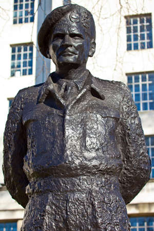 montgomery: Field Marshall Viscount Montgomery of Alamein Statue in London  Stock Photo