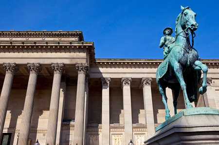 george: Statue of Queen Victoria outside St  Georges Hall in Liverpool