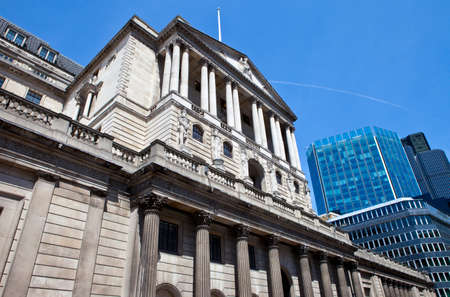 english famous: The impressive facade of the Bank of England located in the City of London