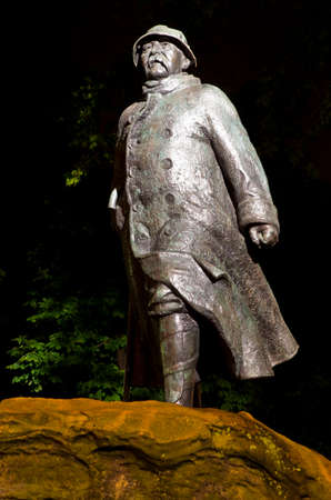 georges: A statue of former French Prime Minister George Clemenceau in Paris, France.