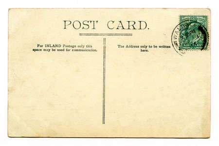 telegrama: Una postal de época sobre un fondo blanco liso.