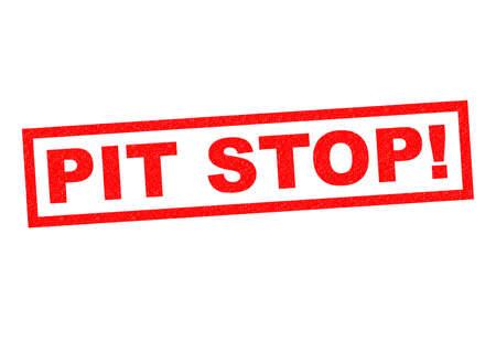 old service station: PIT STOP! rosso Timbro su uno sfondo bianco. Archivio Fotografico