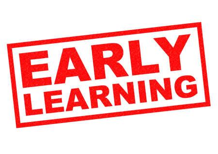 early learning: Goma roja APRENDIZAJE TEMPRANO sello sobre un fondo blanco.