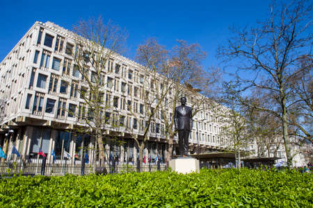 ronald reagan: LONDON, UK - APRIL 14TH 2015: A statue of ex US President Ronald Reagan outside the US Embassy in Grosvenor Square in London on 14th April 2015.