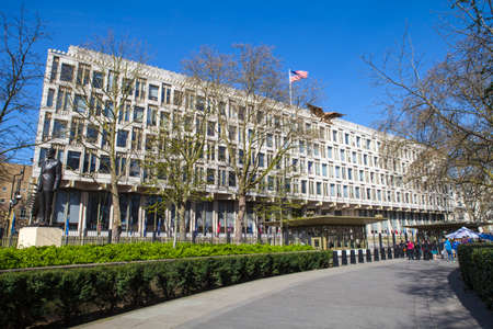 ronald reagan: LONDON, UK - APRIL 14TH 2015: A view of the Embassy of the United States of America, situated in Grosvenor Square in London on 14th April 2015. Editorial