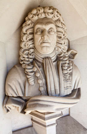 guildhall: A sculpture of famous architect Sir Christopher Wren situated outside Guildhall Art Gallery in London.