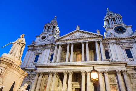 st pauls cathedral: A dusk-time view of the facade of St. Pauls Cathedral in the City of London.