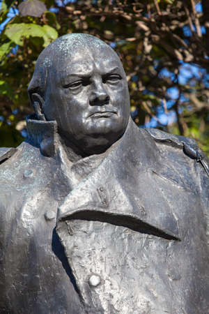 minister of war: A close-up shot of the Sir Winston Churchill statue in Westminster, London.