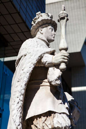 vi: A statue of King Edward VI at St. Thomas' Hospital in London Editorial