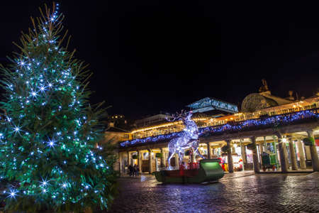 covent: LONDON, UK - NOVEMBER 24TH 2015: The stunning Christmas lights and decorations at Covent Garden in London, on 24th November 2015.