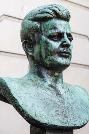 assassinated: A bust of former President of the United States John F. Kennedy situated on the Marylebone Road in London. Editorial