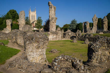 gothic revival: A view of the remains of Bury St Edmunds Abbey and St Edmundsbury Cathedral in Bury St. Edmunds, Suffolk. Stock Photo