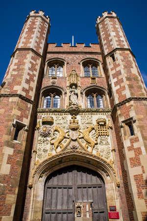 gatehouse: The impressive gatehouse at St John's College in Cambridge, UK. Editorial