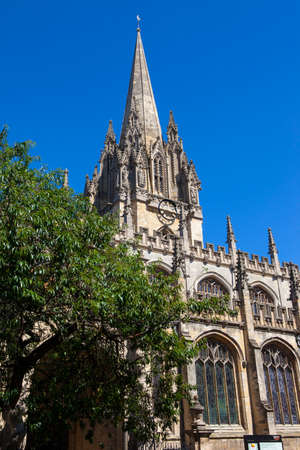 oxfordshire: The impressive gothic architecture of the University Church of St. Mary the Virgin in Oxford, England.