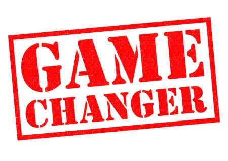 게임 체인저 흰색 배경 위에 빨간색 고무 스탬프입니다.