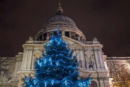 st pauls: A view of a festive Christmas tree at St. Pauls Cathedral in London, UK.