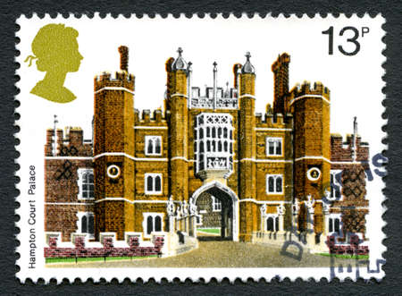 GREAT BRITAIN - CIRCA 1978: A used postage stamp from the UK, depicting an illustration of the historic Hampton Court Palace, circa 1978. Editorial