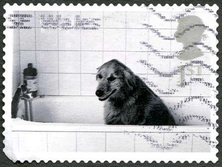 GROSSBRITANNIEN - CIRCA 2001: Eine Benutzte Briefmarke Vom ...
