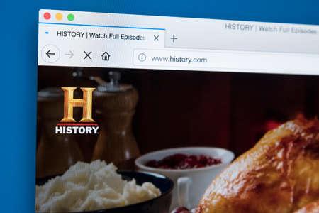 Londres, Royaume-Uni - 22 novembre 2017: la page d'accueil du site officiel de la chaîne HISTORY - le réseau américain de télévision numérique par câble et par satellite, le 22 novembre 2017. Banque d'images - 93496930