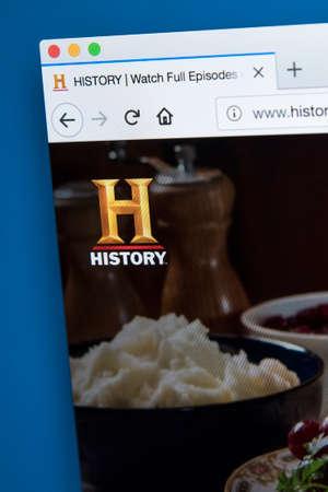 Londres, Royaume-Uni - 22 novembre 2017: la page d'accueil du site officiel de la chaîne HISTORY - le réseau américain de télévision numérique par câble et par satellite, le 22 novembre 2017. Banque d'images - 93496933