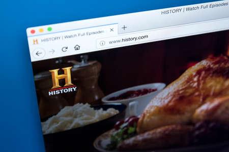 Londres, Royaume-Uni - 22 novembre 2017: la page d'accueil du site officiel de la chaîne HISTORY - le réseau américain de télévision numérique par câble et par satellite, le 22 novembre 2017. Banque d'images - 93496932
