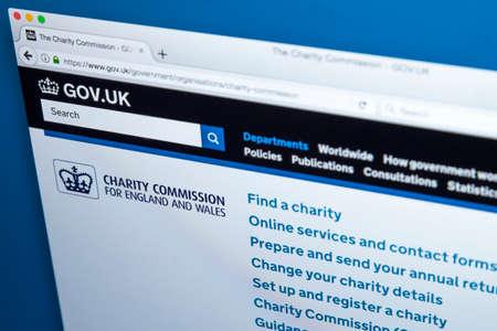 런던, 영국 - 11 월 17 일 2017 : 2017 년 11 월 17 일 잉글랜드와 웨일즈 자선위원회 공식 웹 사이트의 홈페이지.