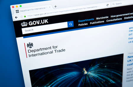 LONDON, UK - NOVEMBER 17TH 2017: The homepage of the official website for the Department of International Trade - the UK Government department, on 17th November 2017. 에디토리얼