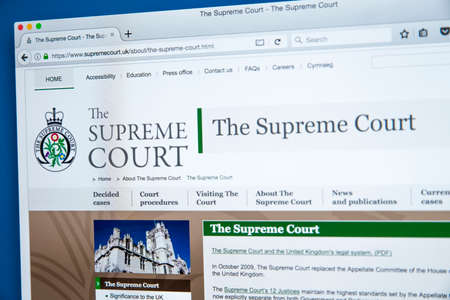 LONDON, UK - NOVEMBER 17TH 2017: The homepage of the official website for The Supreme Court of the United Kingdom, on 17th November 2017. 에디토리얼