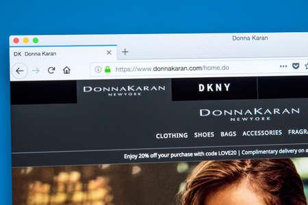 LONDRA, REGNO UNITO - 8 FEBBRAIO 2018: l'homepage del sito ufficiale di Donna Karan, noto anche come DK - lo stilista americano, l'8 febbraio 2018.
