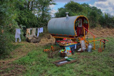 gitana: Anticuado caravana de gitanos pintoresca