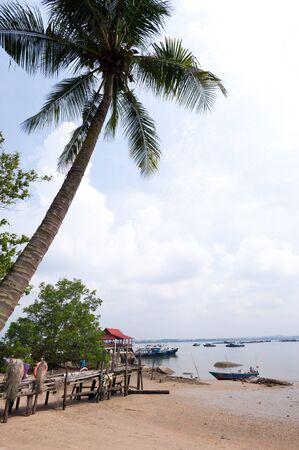 pulau: Beach and wooden jetty on Pulau Ubin, Singapore