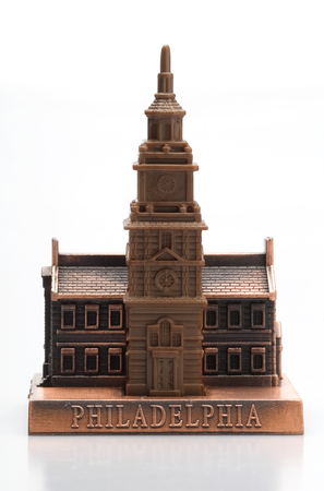 tacky: This image shows an Independence Hall Statue