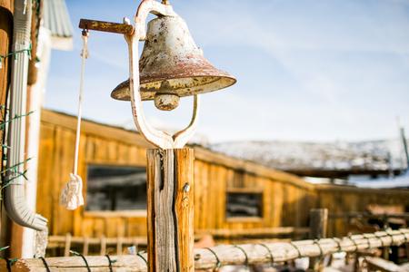 古い錆びたベルの農場や牧場の