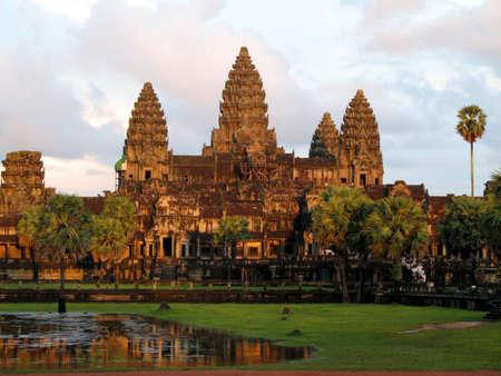 angkor: angkor wat at dusk