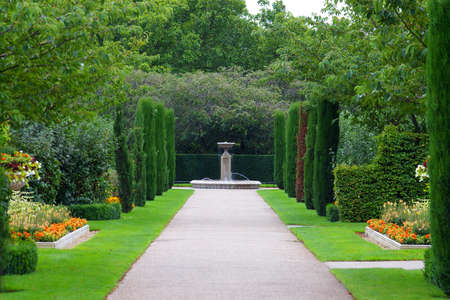 avenues: formal avenue in regents park London