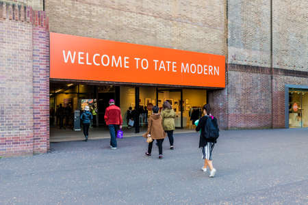 London October 2018. A view of the entrance to tate Modern in London. Redakční