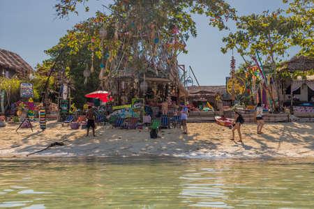 Février 2019. Ko Lipe Tarutao National Marine Park Thaïlande. Une vue sur le bar de la plage de Cest la Vie à Ko Lipe Tarutao National Marine Park Thaïlande