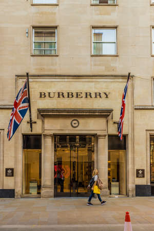 April 2019. London. A view of the Burberry store on Bond street in london Banque d'images - 120303875