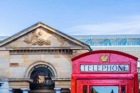 June 2020. London. Red telephone boxes in Covent Garden , London, Uk Europe 版權商用圖片