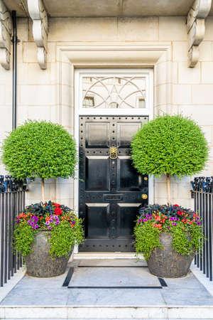 June 2020. London.Door in Belgravia, London Uk Europe Imagens
