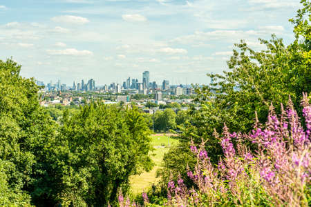 June 2020. London. The view from Primrose Hill and cityscape London, England, Uk, Europe 版權商用圖片