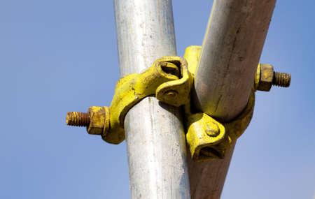 andamio: Detalle de una articulaci�n de scafolding Foto de archivo