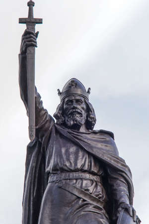 winchester: Statue of King Alfred the Great who ruled the Kingdom of Wessex, England from 871 to 899