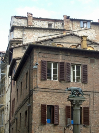 italien: italien landscape toscana and siena city
