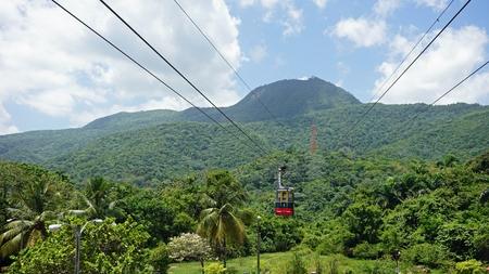 Kabelbaan op de pico isabel del torres berg