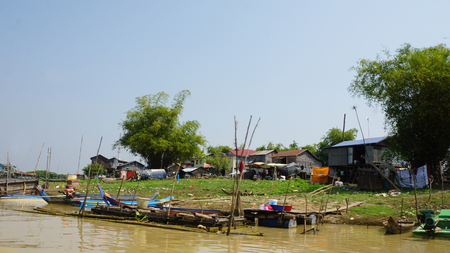 poor fishervillage on the tnle sap river in cambodia Banco de Imagens